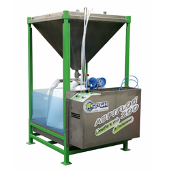 Semi-automatic tank equipped with a mixer for treatment through coagulation and filtering water laden with paint sludge