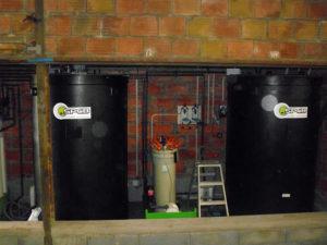 Procédé pour le traitement et le recyclage des eaux industrielles et de cuve de décantation